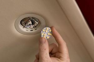 G4 led bulb install